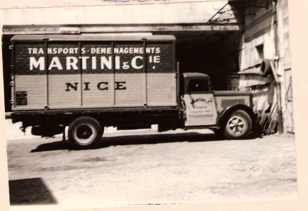 Camion porte-conteneur