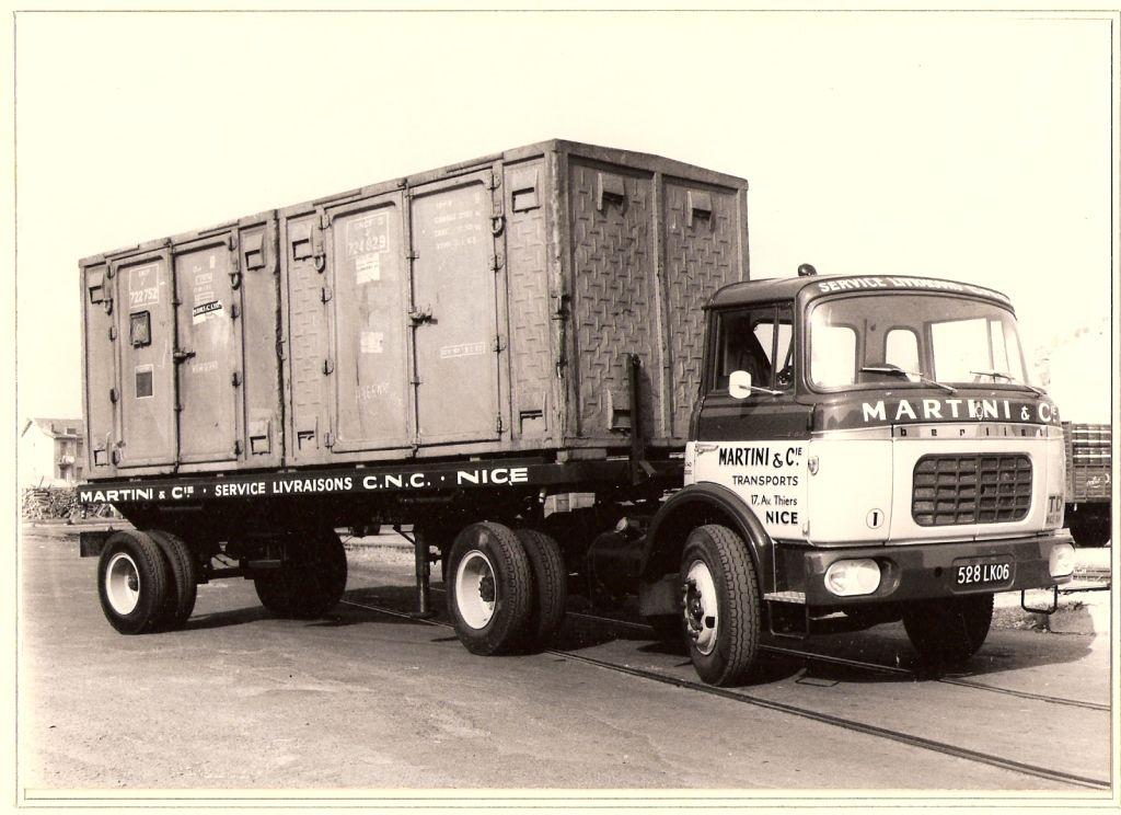 Camion porte conteneur2