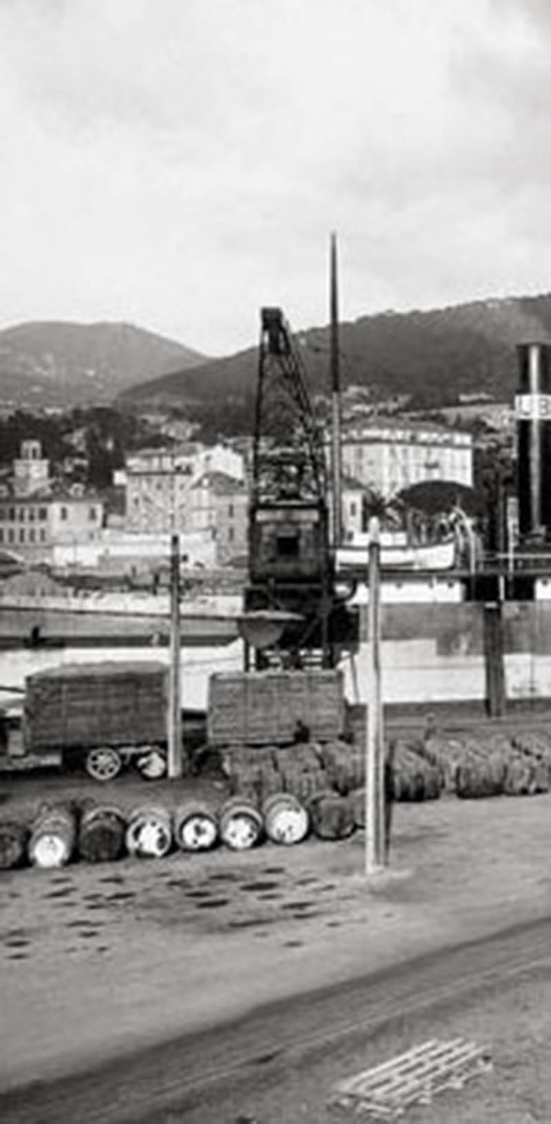 Camionnage sur le port de Nice (Photo Internet).jpg