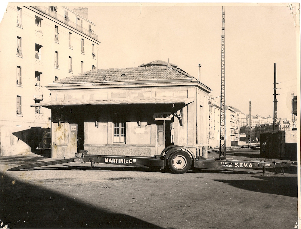 Le bureau du factage et camionnage rue Reine Jeanne à Nice