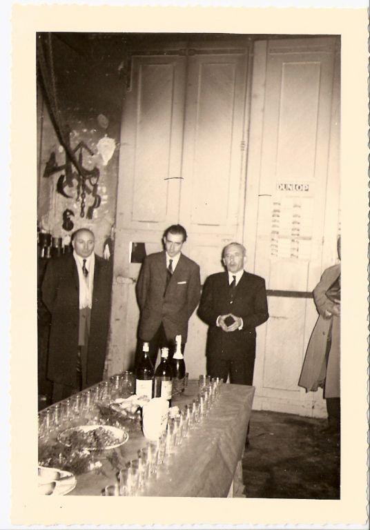 Pot à l'atelier mécanique avec Marcel Pastorelli, Jean-Pierre Croze et Amédée Croze.