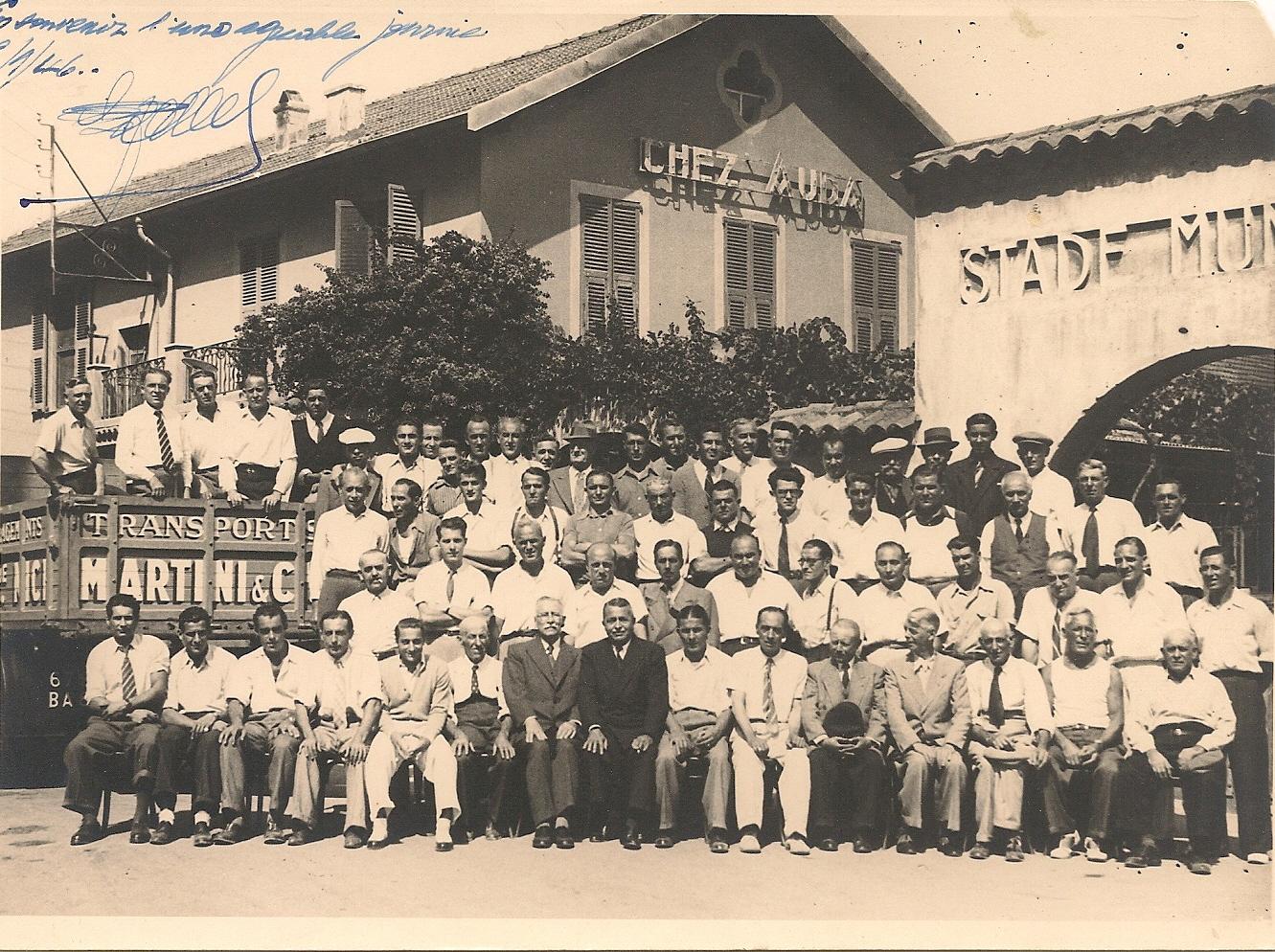 Sortie avec les chauffeurs de Nice en début 1946 (au centre en foncé François Belgrand)